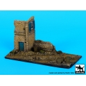 Black dog D72029 Ruined house italy base