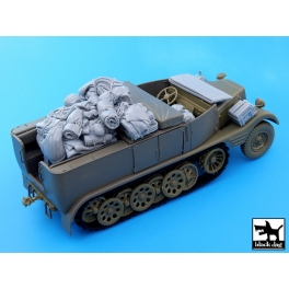 Black dog T35052 Sd. Kfz.11