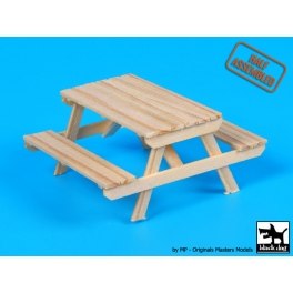Black Dog W35003 Wooden picnic table