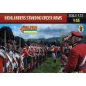 Strelets 200 - Highlanders debout armes aux pieds