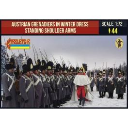 Strelets 206 - Grenadiers autrichiens en tenue d'hiver debout armes à l'épaule