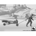 Black Dog F32086 1/32 WW II Luft.bombenpersonal +b.loader +SC250  N°1