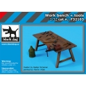 Black Dog F32103 1/32 Work bench + tools