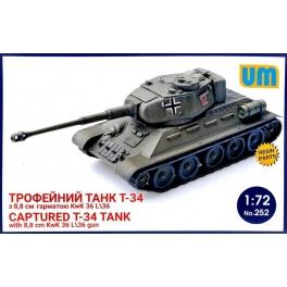 um 252 Char T34 capturé