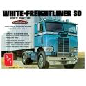 AMT 1004 - Freightliner Tractor 1/25
