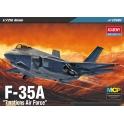 "Academy 12561 Chasseur américain F-35A ""7 nations"""