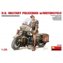 MINIART 35168 Military Policeman with motorcycle